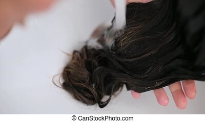 was, meisje, haar, in, een, hairdressing salon, dichtbegroeid boven