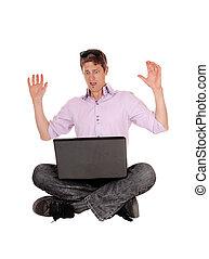 was, seine, sieht, laptop, er, erschrocken, mann