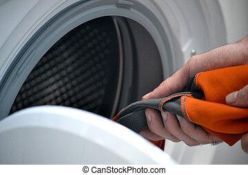 waschmaschine schwer her geschirr stockfoto. Black Bedroom Furniture Sets. Home Design Ideas