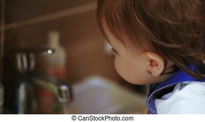 Washing child at home