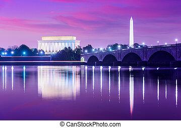 Washington DC Skyline - Washington DC, USA skyline on the...