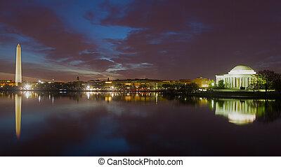 washington monument, y, monumento del jefferson, por la noche, con, ciudad, skyline., colorido, reflexiones, de, washington, señales, en, de marea, basin.
