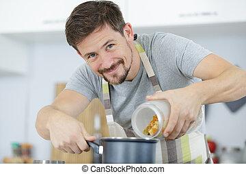 wasser, mann, kochen, machen, nudelgerichte