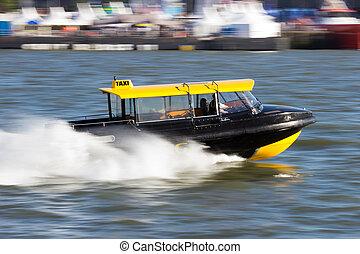 wasser- taxi