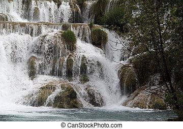 wasserfälle, in, krka, nationalpark, in, kroatien