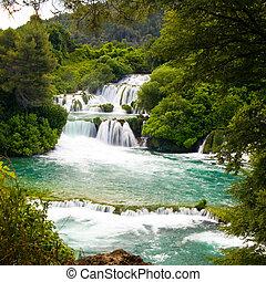 wasserfälle, in, krka, nationalpark, kroatien