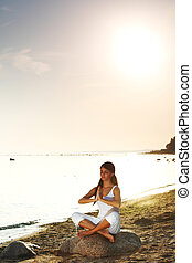 wasserlandschaft, joga, sonnenaufgang