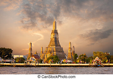 Wat Arun Temple Morning Bangkok Sunrise Red Sky