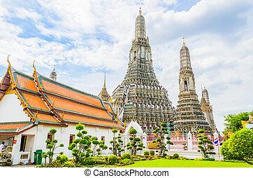 Wat arun , temple of dawn in bangkok Thailand