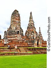 Wat Chaiwatthanaram Temple. Ayutthaya Historical Park,...