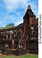 Wat Chang Rop temple Historical Park in Kamphaeng Phet, Thailand (a part of the UNESCO World Heritage Site Historic Town of Sukhothai and Associated Historic Towns)