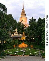 Wat Phnom, Phnom Penh, Cambodia at cloudy sunset