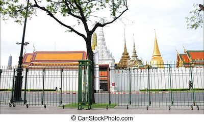 Wat Phra Kaew and road moving timelape.