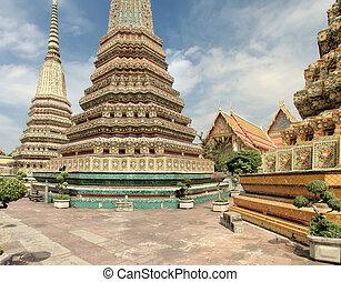 Wat Po temple in Bangkok