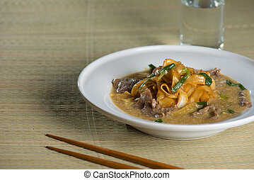 wat tan hor, popular cantonese fried noodle with beef