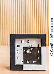 Watch vintage on wooden
