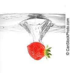 water, aardbei, het vallen