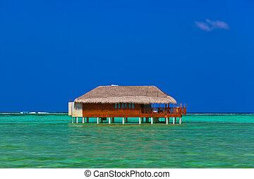 Water bungalow on Maldives island