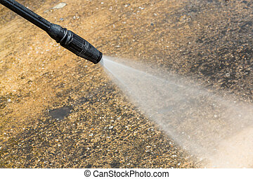 Floor cleaning with high pressure water jet
