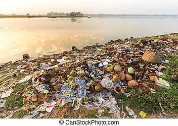 Water rubbish pollution - Rubbish pollution with plastic and...