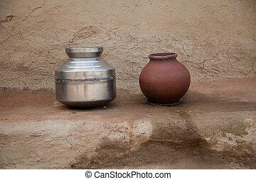 Water storage pitcher