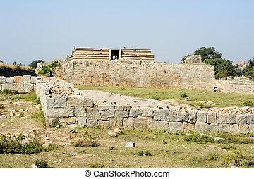 Water tank of Royal Enclosure temple at Hampi - Royal ...