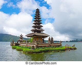 Water temple at Bratan lake, ulun danu bedungul, Bali