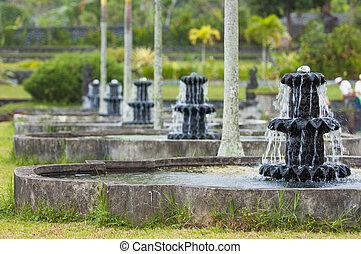 water, tirtagangga, paleis