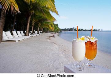 water, turkoois, buiten, achtergrond., eiland, pacific, tropische , cocktails, vakantiepark, palmbomen, gediende, stoelen, strand, zanderig