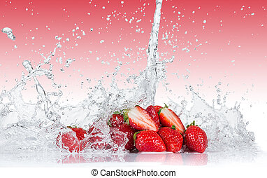 water, verse aardbeien, gespetter