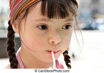 water, verticaal, weinig; niet zo(veel), drinkt, meisje