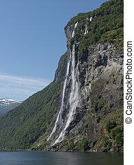 waterfall geiranger fjord norway