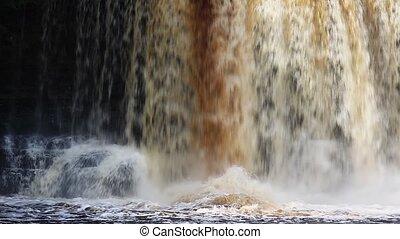 Waterfall Spolashdown Loop