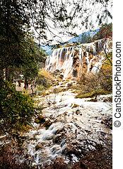 waterfalls in jiuzhaigou