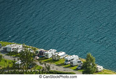waterfront, rv, liget
