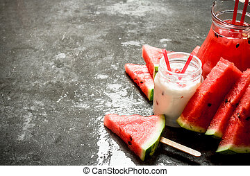 Watermelon smoothies and juice with pulp.