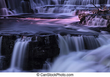 watervallen, op de avond