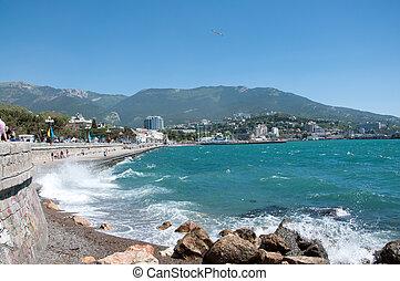 wave on sea in Ylta