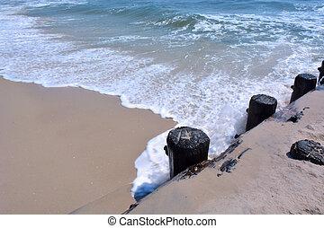 Waves Along Bulkhead