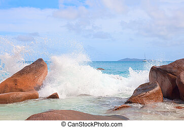 Waves and sea foam - Waves in the Indian Ocean on the shores...