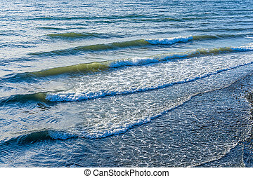 Waves In Des Moines - Waves roll toward shore in Des Moines...