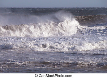 Waves - ocean agitation-waves