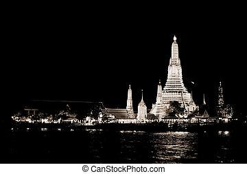 WB of Wat Arun (Temple of Dawn)