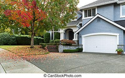 wcześnie, jesień, z, nowoczesny, mieszkaniowy, jednorazowa rodzina, dom