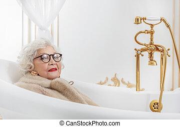 mature women in bath