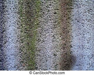 Weathered retaining wall