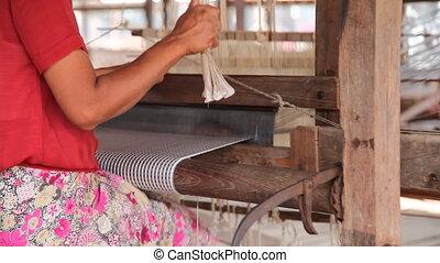 Weaving workshop on Inle lake