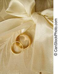 wedding bands2 - set of gold wedding rings