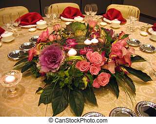 Wedding banquet table decor - Banquet table decor in wedding