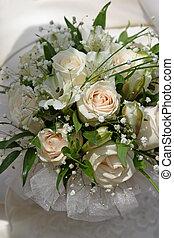 Wedding bouquet - 6 - The bride holds a wedding bouquet